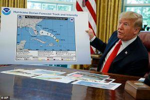Ông Trump dùng bản đồ sai dự báo về bão Dorian
