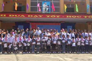 Đại sứ các nước mừng khai giảng tại trường Trung học cơ sở Thanh Xá, Phú Thọ