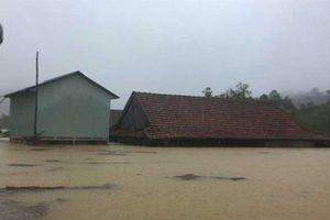 Nhiều thiệt hại trong đợt mưa lũ tại miền Trung