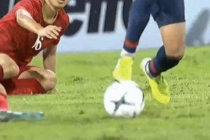 Cầu thủ Thái đá thô bạo với Quế Ngọc Hải phải rời đội tuyển