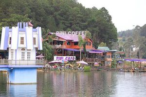 Điểm mặt loạt doanh nghiệp đua nhau 'băm nát' hồ nước đẹp nhất Đà Lạt