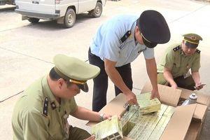 Lạng Sơn: Thu giữ hơn 1.000 lọ thuốc nhuộm, hấp tóc nhập lậu