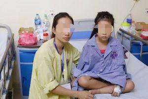 Viết tiếp ước mơ đến trường cho bé gái bị liệt 2 chân