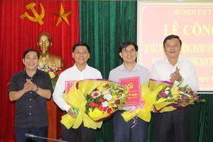 Trao quyết định bổ nhiệm Chánh Văn phòng và Phó ban Tổ chức Huyện ủy Tân Kỳ