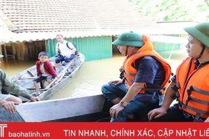 Bộ trưởng Trần Hồng Hà: Tuyệt đối không để nhân dân vùng lũ thiếu lương thực, nước uống