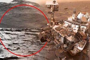 Thực hư việc tàu thăm dò của NASA phát hiện 'mái vòm ngoài hành tinh' trên Sao Hỏa