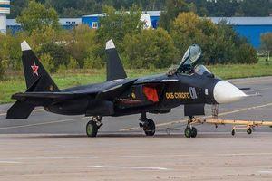 'Đại bàng vàng cánh ngược' bất ngờ tái xuất, tín hiệu mới của Nga?