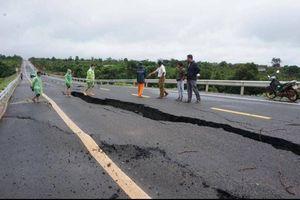 Khoan khảo sát địa chất, xác định nguyên nhân sụt lún tuyến tránh Chư Sê