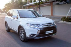 Bảng giá xe Mitsubishi tháng 9/2019: Mitsubishi Outlander ưu đãi 71 triệu đồng