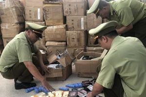 Quản lý thị trường Quảng Ninh bắt giữ kho chứa hơn 26.000 sản phẩm mỹ phẩm nhập lậu