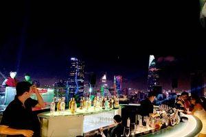 Quán bar hoạt động không phép nhiều năm trên nóc cao ốc ở TP.HCM