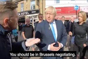 Thủ tướng Anh bị 'mắng như tát nước'