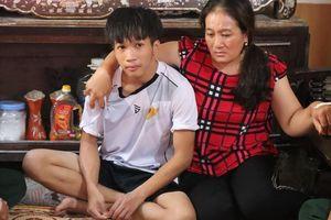 Ngư dân 16 tuổi và 3 người bị chìm tàu về đến quê nhà