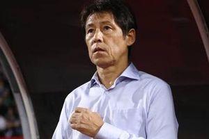 Hòa Việt Nam, HLV trưởng ĐT Thái Lan bị chê tơi tả