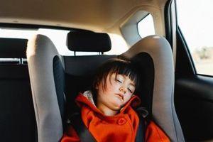 Các hãng xe ô tô sẽ đồng loạt lắp trang bị cảnh báo bỏ quên trẻ em