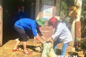 San sẻ khó khăn cùng người dân vùng lũ ở tỉnh Quảng Bình