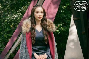 'Niên sử ký Arthdal': Tung ảnh Jisoo và Song Joong Ki với chú thích ẩn ý, visual của Blackpink sẽ trở lại với phần 3?
