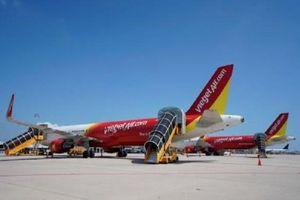 Vietjet xin tự lo dịch vụ mặt đất sân bay Nội Bài và Cam Ranh: Cục hàng không nói gì?