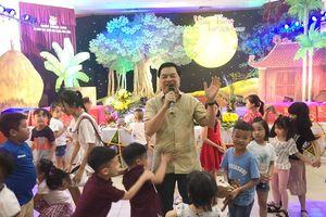 Ban Tuyên giáo Trung ương tổ chức Tết thiếu nhi cho con em