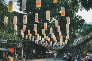 Phố Phùng Hưng - điểm chụp ảnh Trung thu đẹp lung linh cho giới trẻ