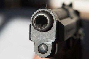 Vợ chở sát thủ đi trốn, sau khi bắn chồng trọng thương ở Long An
