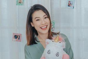 Á hậu Hoàng Oanh: 'Hãy chọn sự nghiệp vì tình yêu không nuôi sống bạn mỗi ngày'
