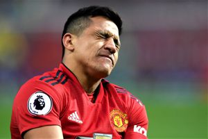 Cầu thủ MU vui mừng vì tống khứ được Sanchez