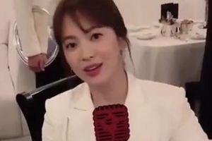 Song Hye Kyo bận rộn tại nước ngoài sau khi ly hôn Song Joong Ki