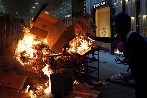 Biểu tình và hỗn loạn tràn ngập Hồng Kông