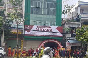 Khai trương văn phòng không phép, Alibaba bị buộc tháo dỡ biển hiệu