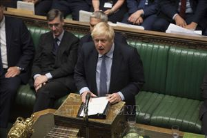 Thế giới tuần qua: Mỹ-Trung áp vòng thuế tiếp theo; Thủ tướng Anh thất bại liên tiếp