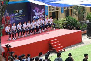 Dàn sao Hà Nội FC rạng rỡ trong ngày làm đại sứ Strong Vietnam