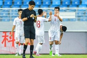 Tiến Linh lập cú đúp cho U22 Việt Nam thắng U22 Trung Quốc, khiến báo châu Á phải khen ngợi