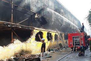 Cháy công ty Rạng Đông: Nhiều phụ huynh trường tiểu học Hạ Đình muốn con nghỉ học