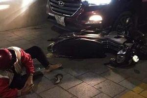 TP.HCM: Bị đâm trọng thương, nam thanh niên lái ô tô tông gục ba mẹ đối thủ để trả thù