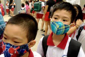 Hàng trăm học sinh xin nghỉ, chuyển trường sau vụ cháy Rạng Đông