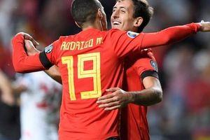 Sao thất sủng Barcelona tỏa sáng, Tây Ban Nha áp sát vòng chung kết EURO