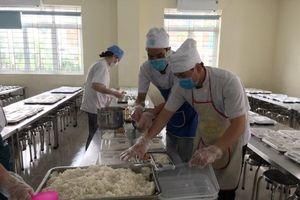 Hà Nội: Nghiêm túc công khai nguồn gốc xuất xứ thực phẩm tại trường học