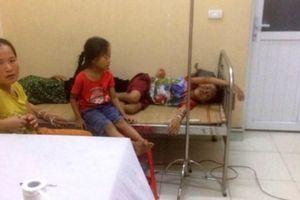 Hơn 40 người nhập viện nghi bị ngộ độc sau khi ăn cỗ ở Thanh Hóa