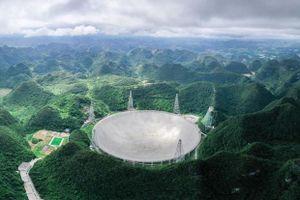 Kính viễn vọng khổng lồ của Trung Quốc thu được những tín hiệu bí ẩn
