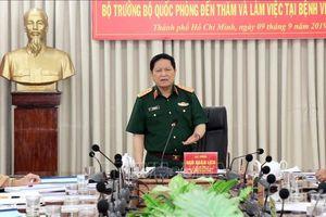 Bộ trưởng Bộ Quốc phòng Ngô Xuân Lịch thăm, làm việc tại Bệnh viện Quân y 175