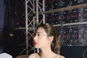 Được khen là người đẹp số 1 thế giới sau sự kiện ở Việt Nam, Nana (After School) gây tranh cãi tại Hàn