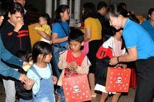 Bình Dương: 1.590 phần quà trung thu tặng con công nhân