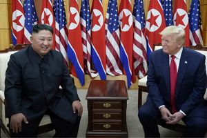 Triều Tiên đề nghị khôi phục đối thoại, Tổng thống Trump nói nên gặp nhau