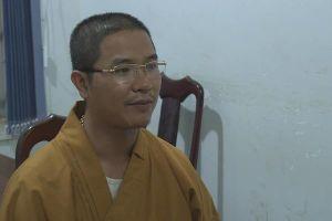 Sư thầy đập vỡ kính ô tô vì không cho vượt ở Đắk Lắk