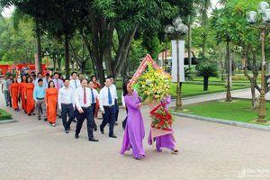 Ban Tổ chức Tỉnh ủy dâng hương, dâng hoa tại các Di tích lịch sử trên địa bàn tỉnh