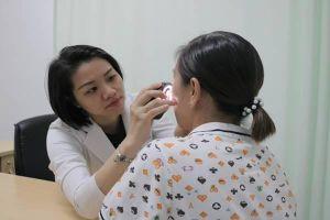 Cô gái trẻ bị 'nát mặt' vì trị nám da bằng mỹ phẩm mua trên mạng