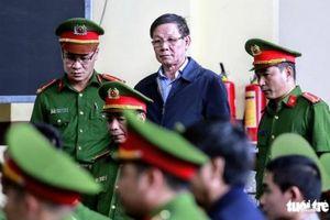 Kỳ án buôn lậu gỗ trắc: Khởi tố cựu trung tướng Phan Văn Vĩnh