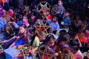 Mang Trung thu đến cho trẻ em nghèo tỉnh Bình Thuận
