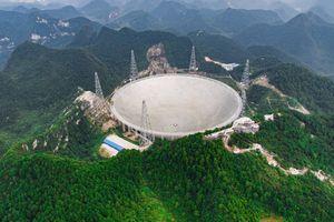 Kính viễn vọng khổng lồ của Trung Quốc vừa bắt được tín hiệu ngoài hành tinh